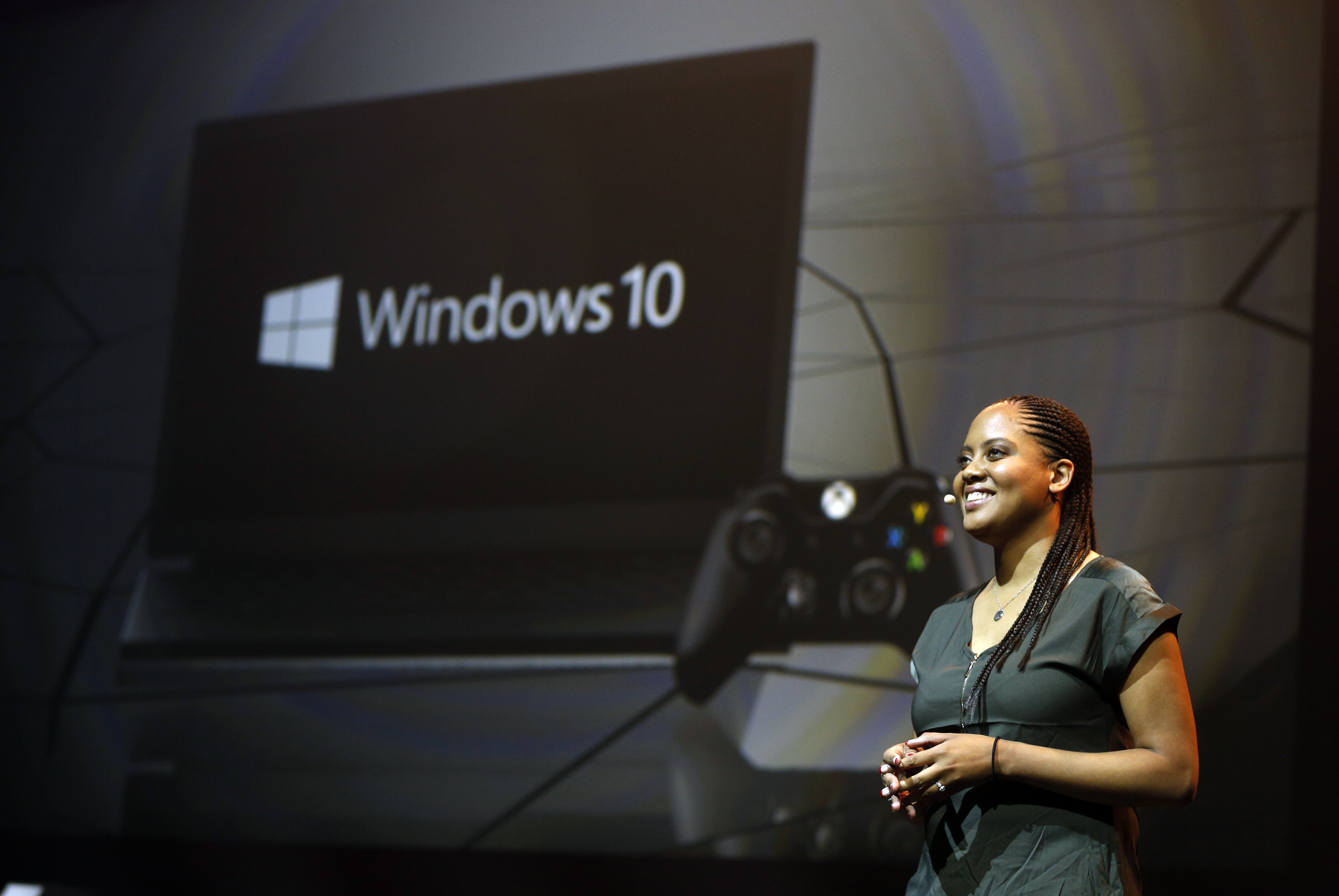 Jasmine Lawrence talks about Xbox and Windows 10 at Gamescom 2015
