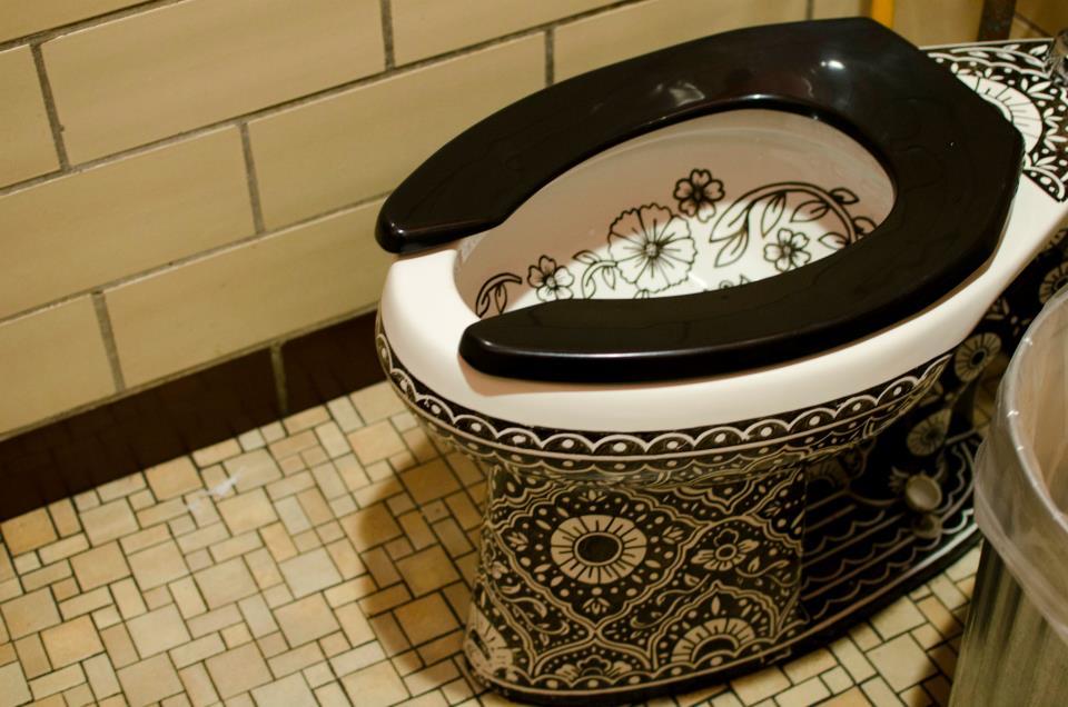 El Cortijo toilet