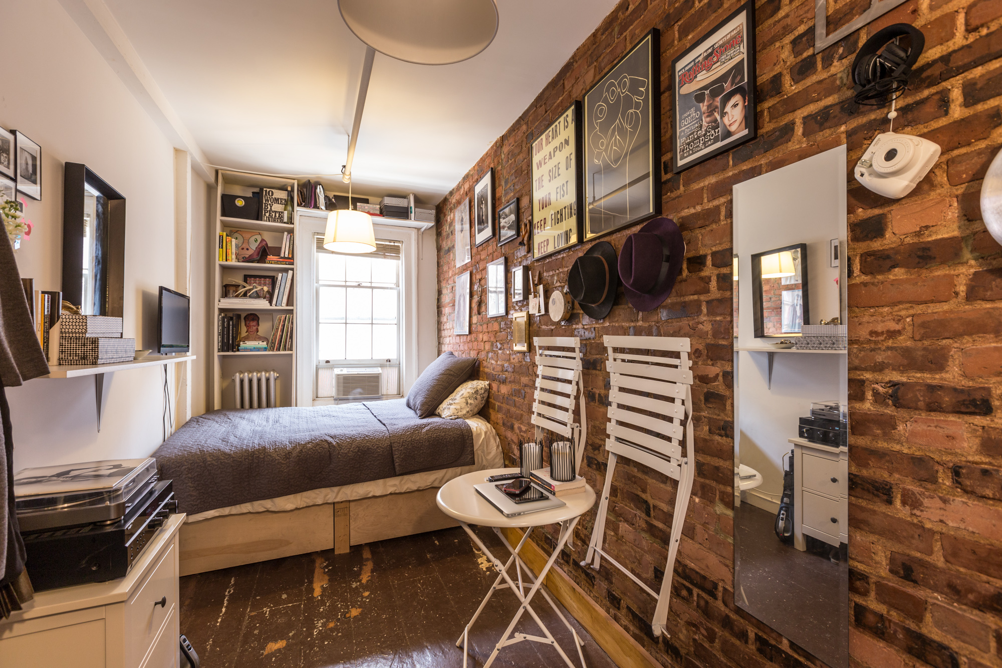 Living In One Room How One New Yorker Lives Comfortably In 90 Square Feet Curbed Ny