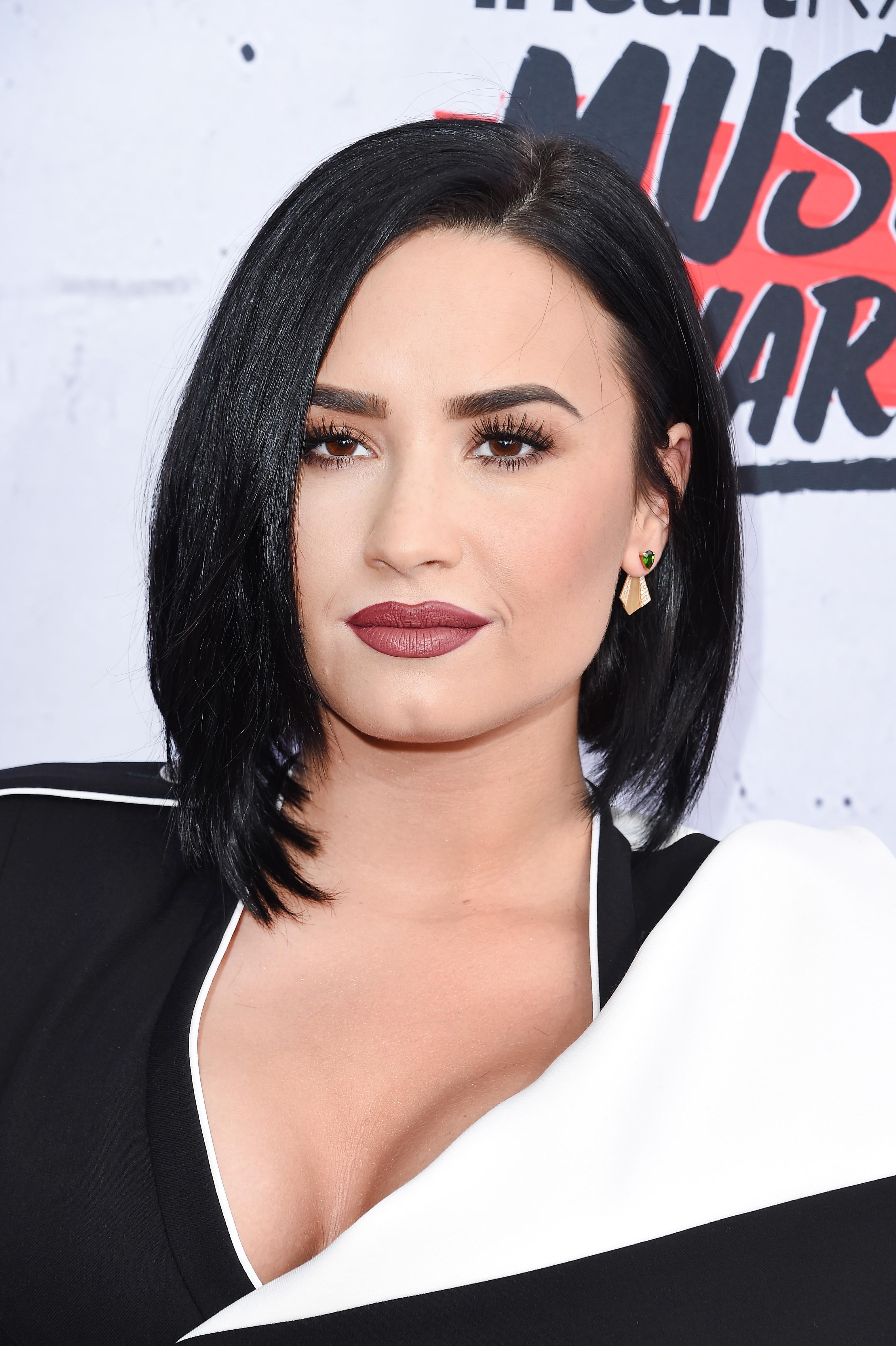 Cleopatra makeup kim kardashian