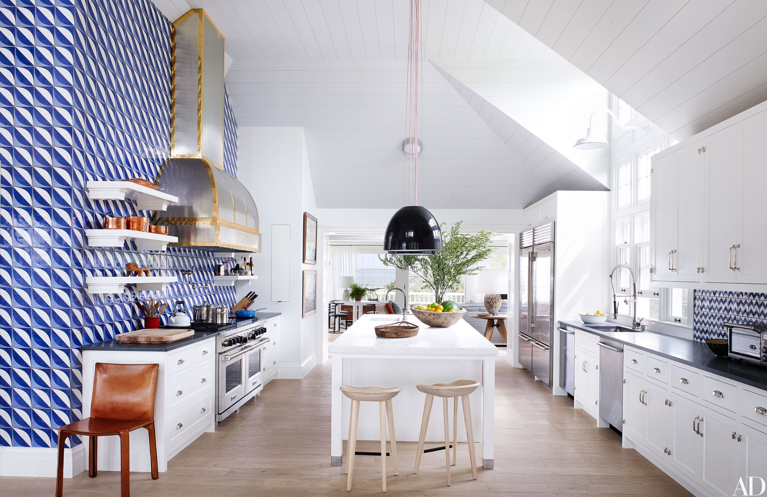 A Sensational Modern Makeover Of A Southampton Shingle Style - Hamptons kitchen design