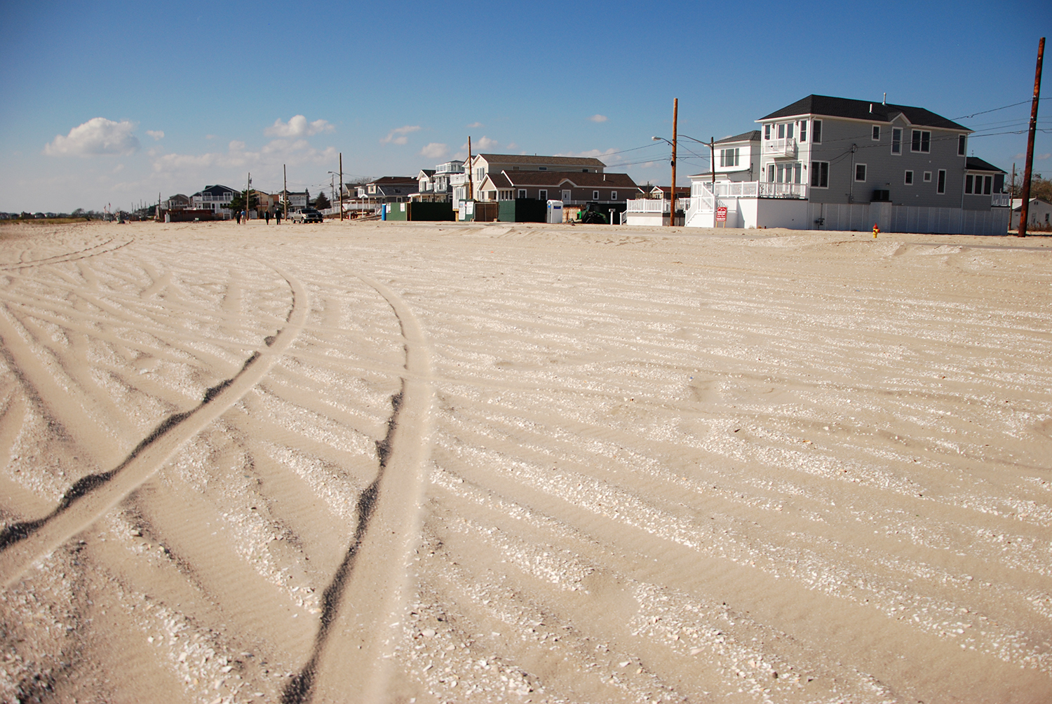 visiting  of new york citys hidden beaches   curbed ny down in the rockaways another private gated community controls almost the entire western end of the peninsula the vast beaches of breezy point are part of