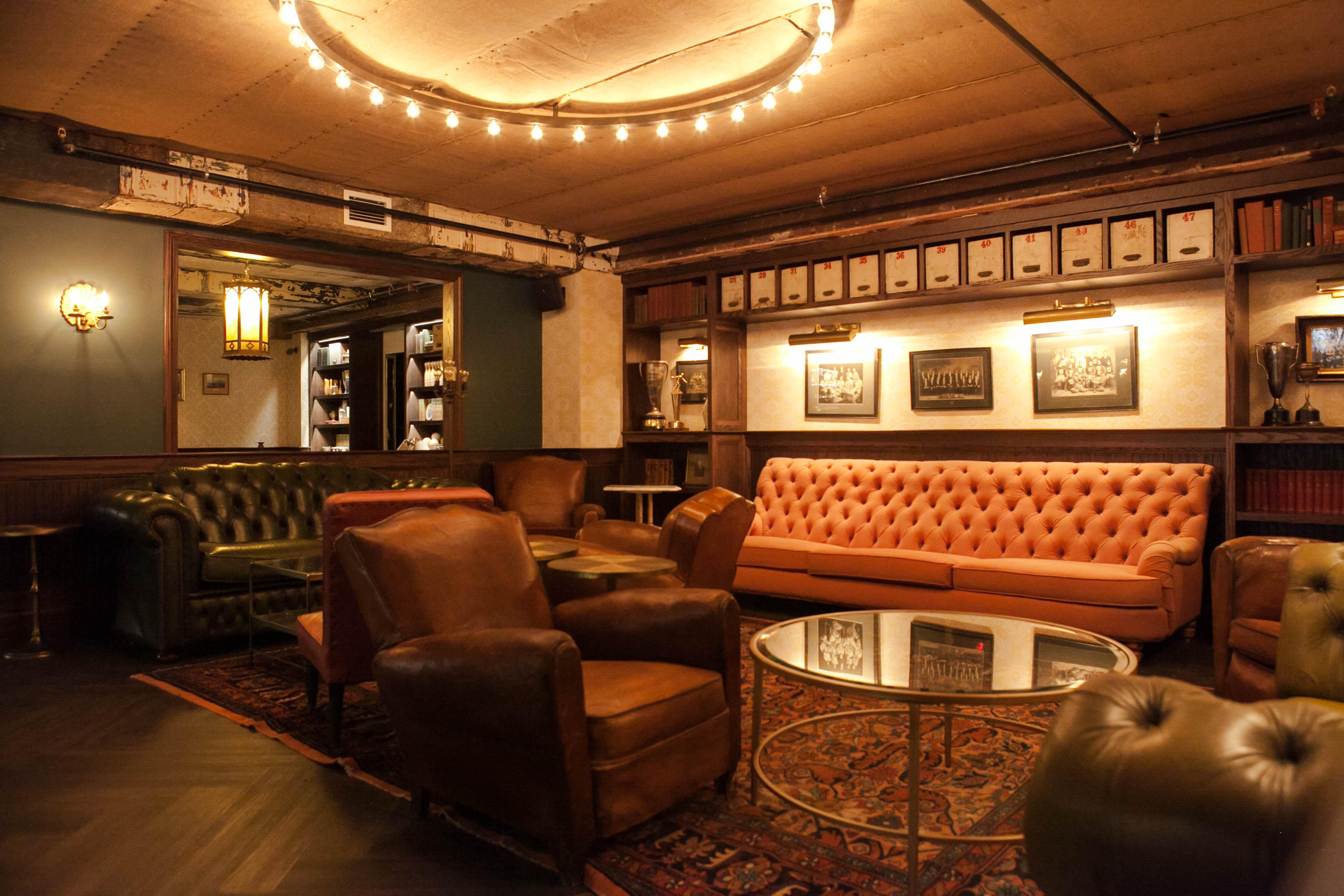 Center City S Harp Amp Crown Is Downright Restaurant Eye