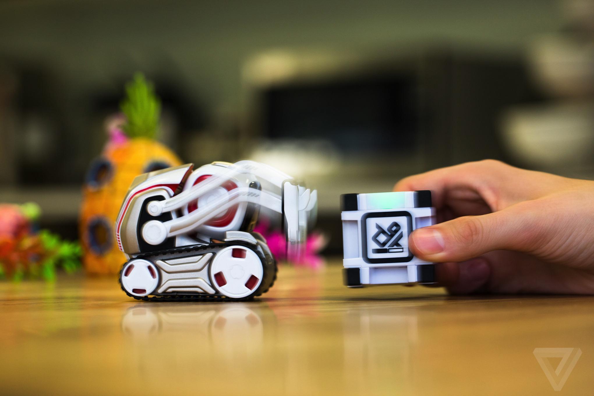 Anki S Cozmo Robot Is The New Adorable Face Of Artificial