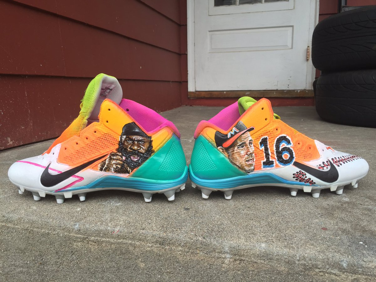 nfl star antonio brown to honor kimbo slice with special cleats