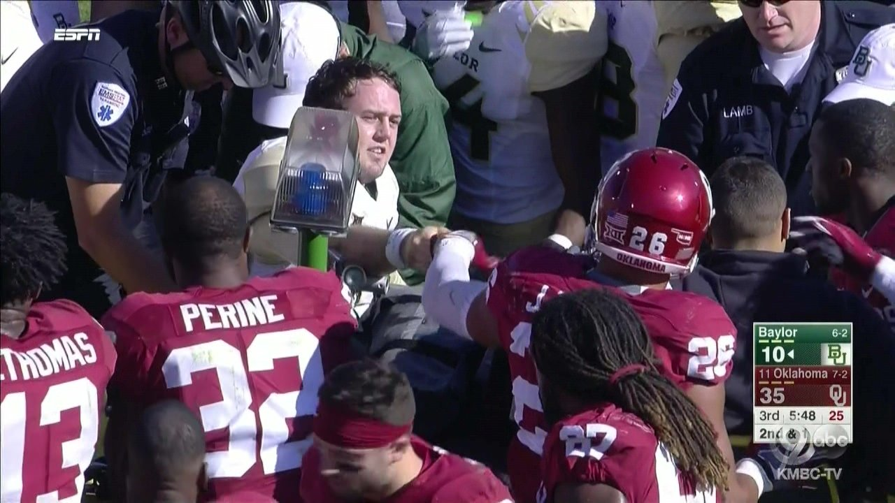 Baylor QB Russell suffers severe ankle injury vs