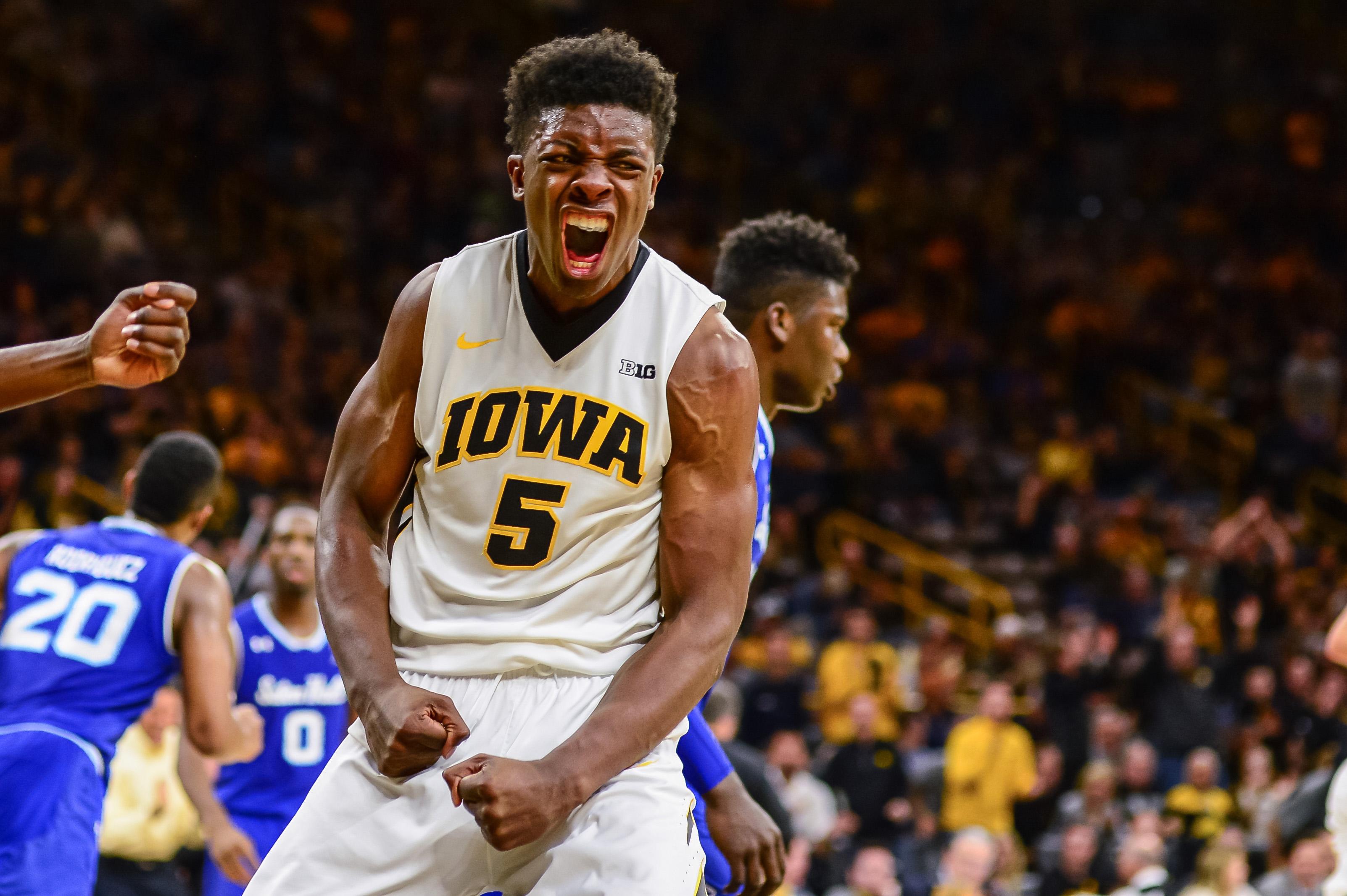 Notre Dame to face biggest test so far vs Iowa