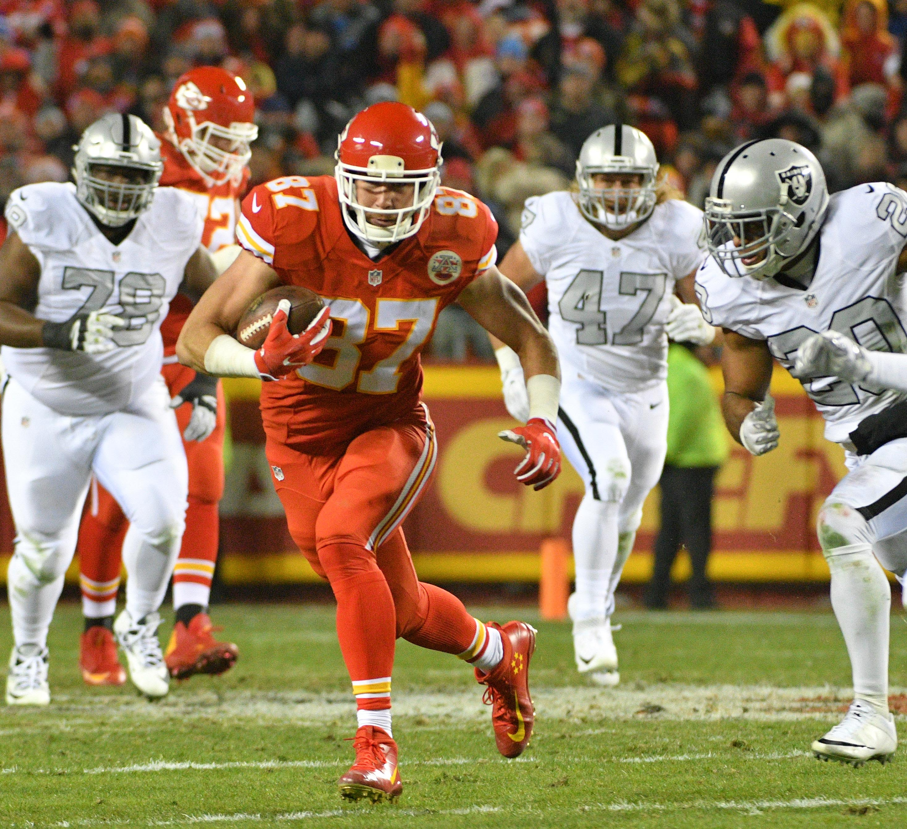 AFC playoff picture: Chiefs earn bye, Steelers could be next