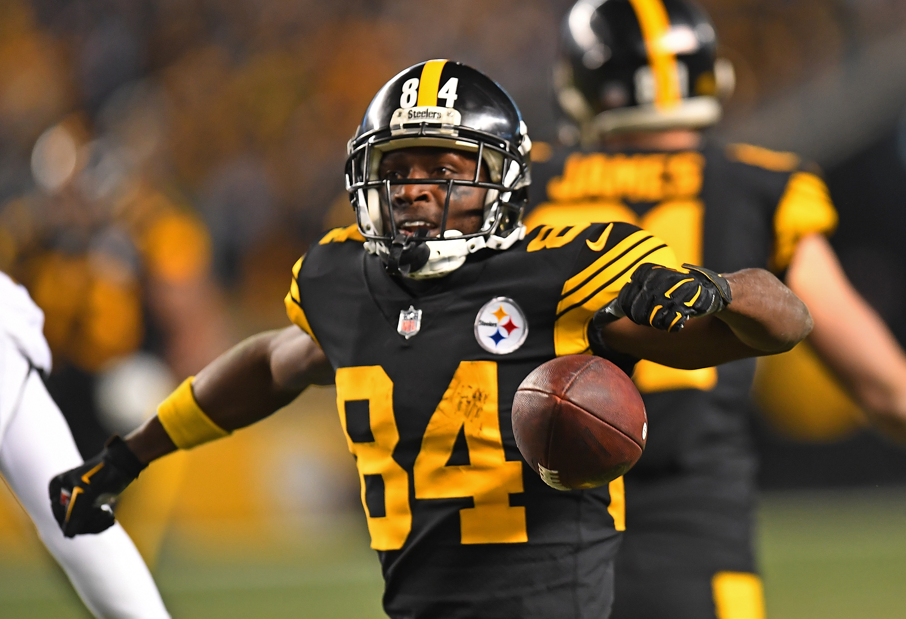 Steelers drum Dolphins, set up rematch with Chiefs