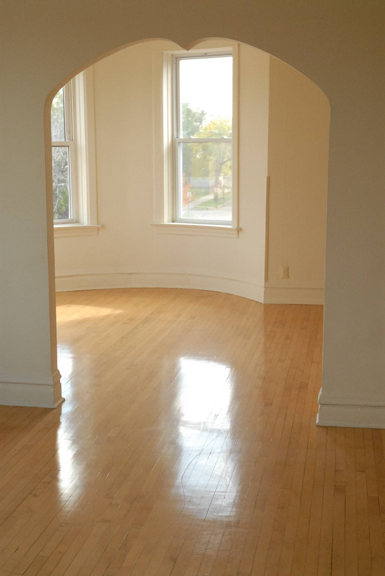 Rent This Three Bedroom Apartment In Humboldt Park For 1 239 Curbed Chicago