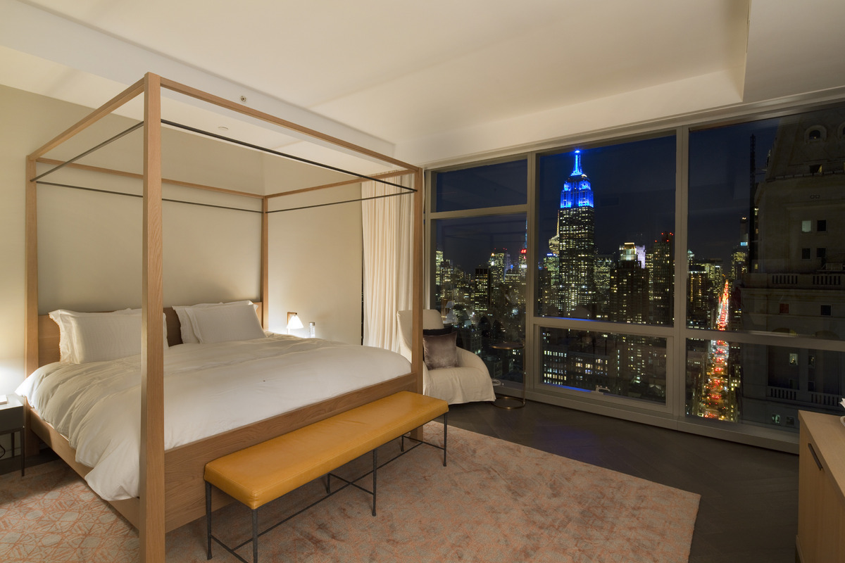 Tom Brady S Nyc Apartments Are High End Paparazzi Proof Condos Curbed Ny