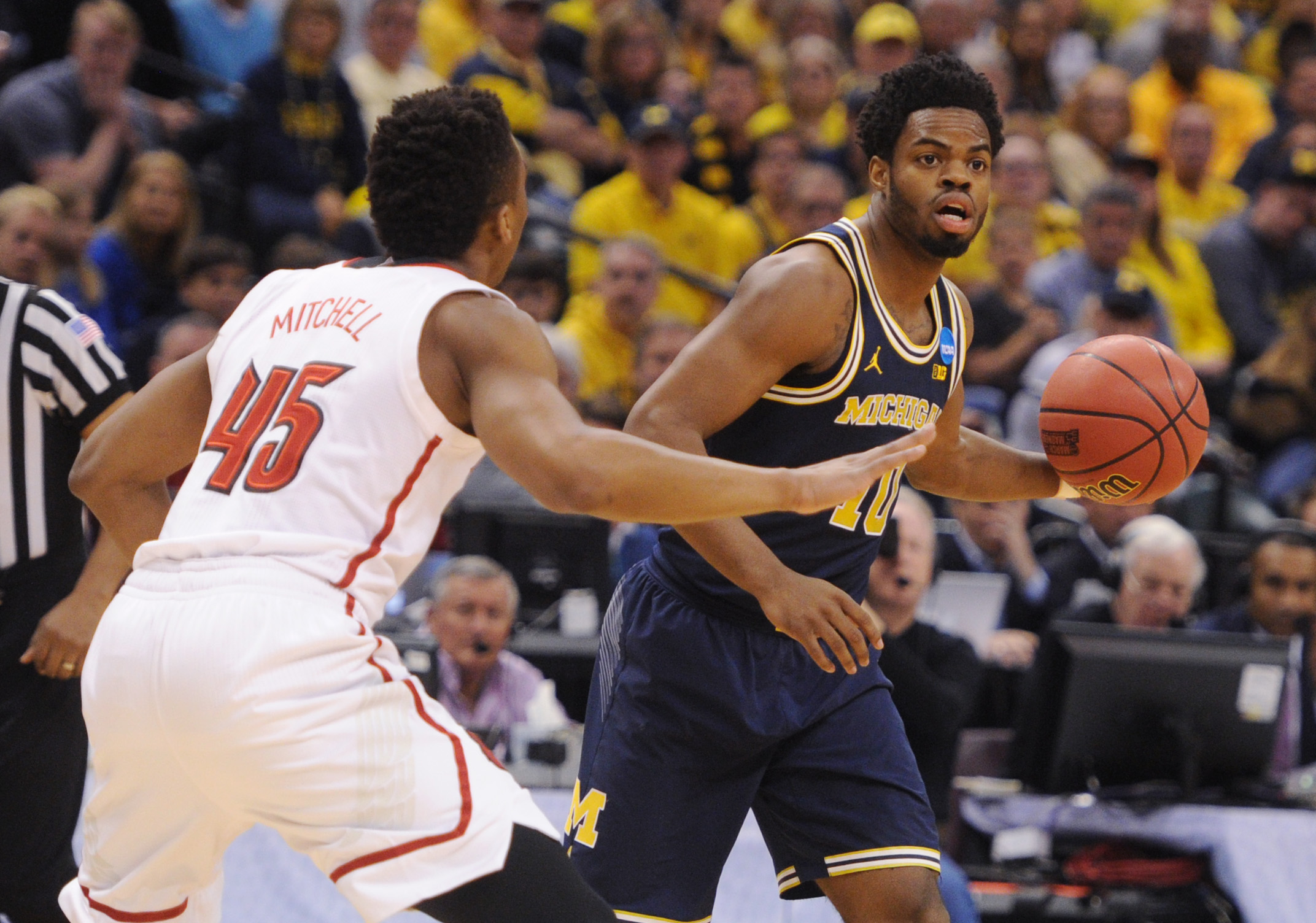 Oregon Ducks don't let Michigan Wolverines' feel-good story continue
