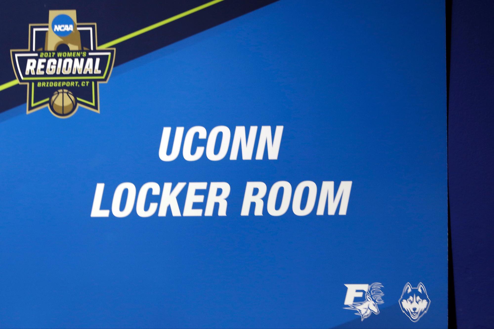 photos uconn women 39 s basketball ncaa tournament pregame sweet 16 the uconn blog. Black Bedroom Furniture Sets. Home Design Ideas