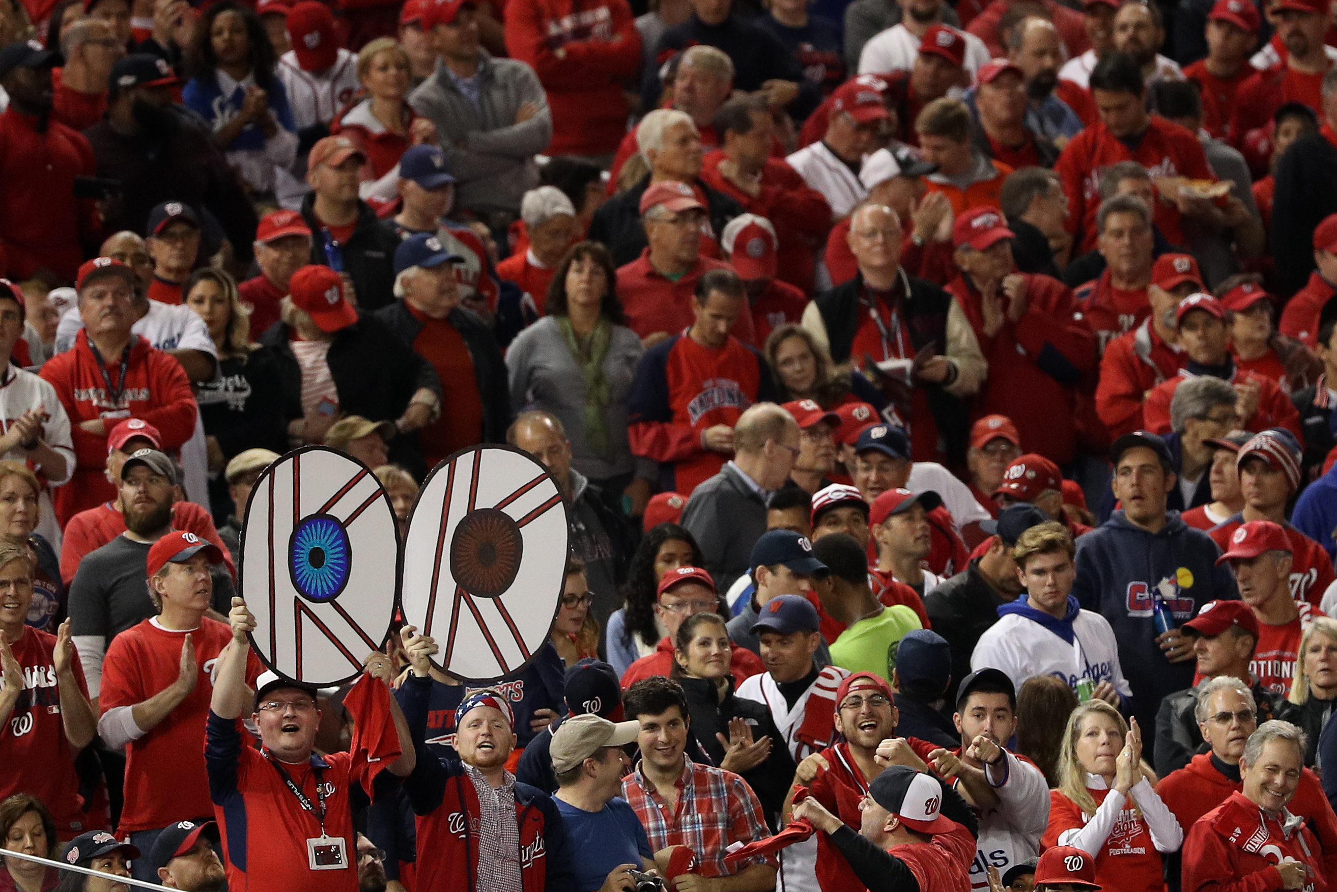 Cincinnati celebrates annual 'baseball holiday' as Reds open