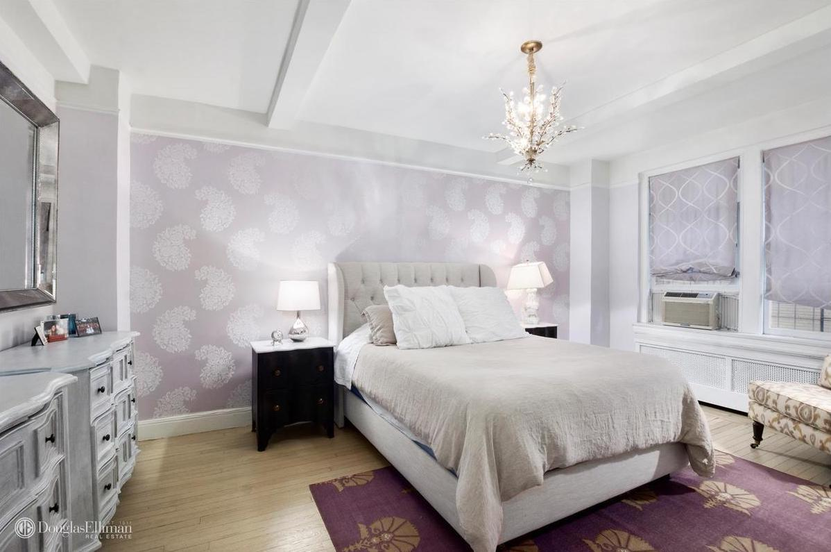 Lane Gramercy Park Bedroom Furniture For 970k A Spacious Co Op That Comes With Access To Gramercy