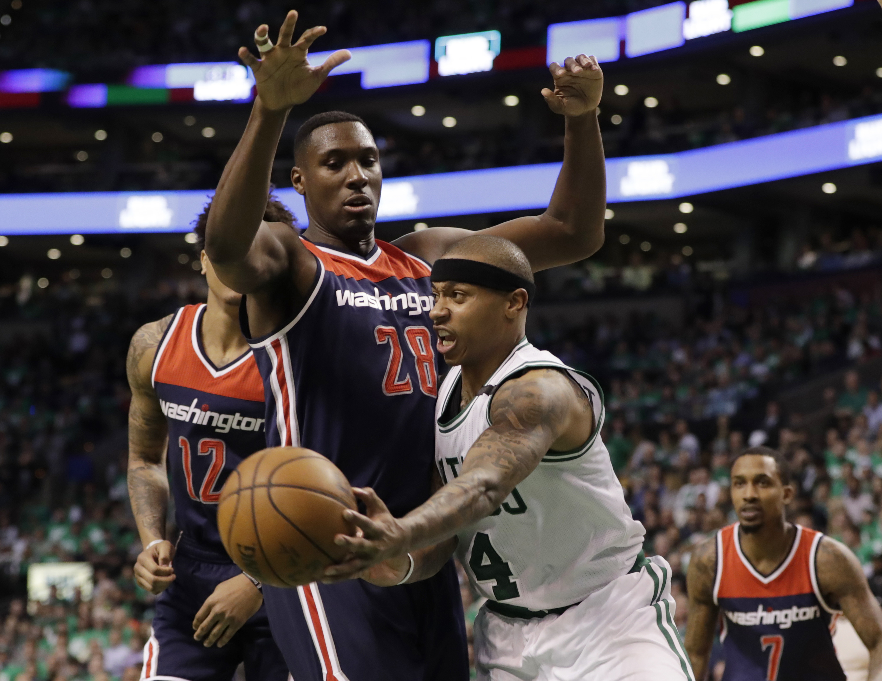 Celtics rout Wizards on home court to take series lead