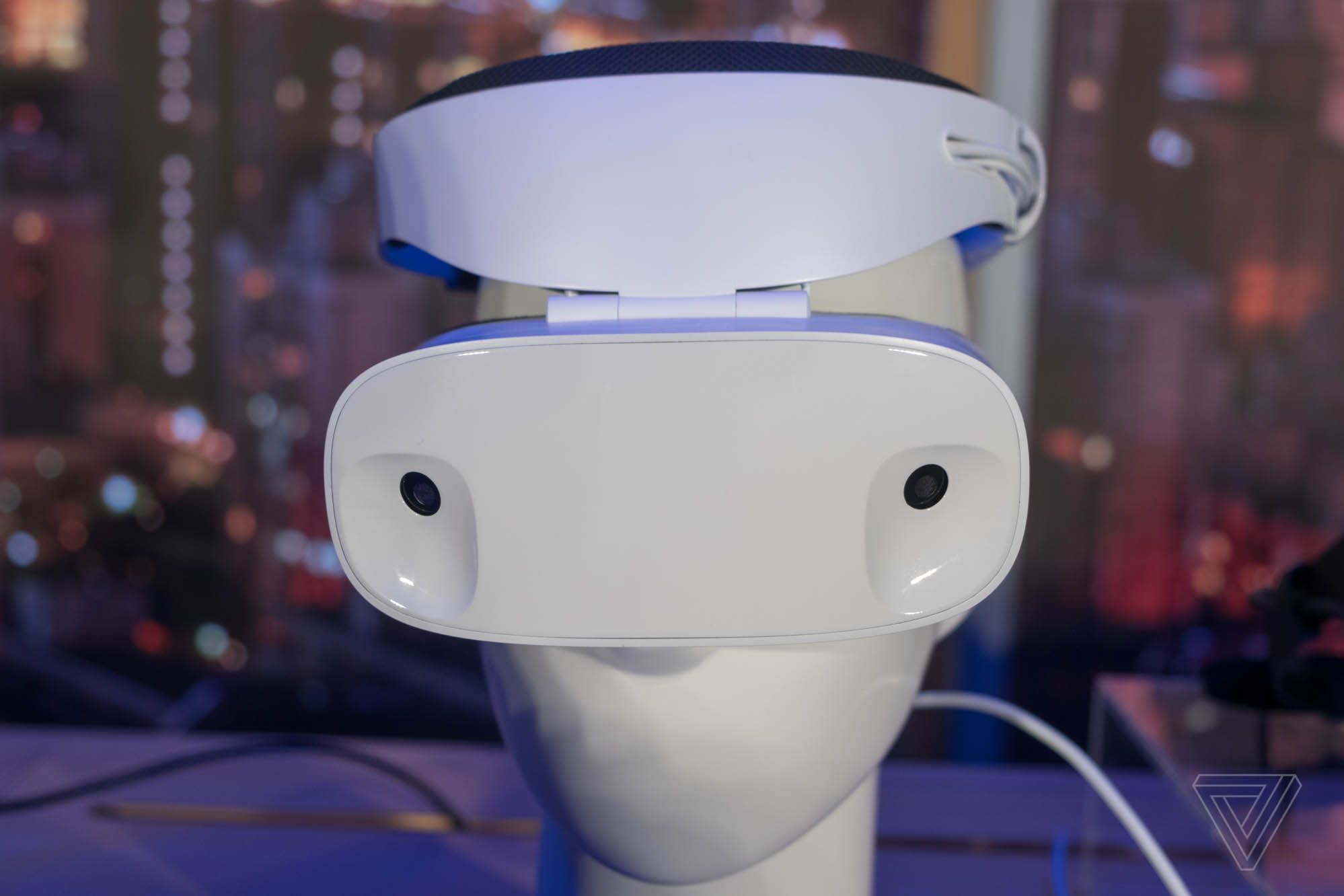 The Windows Mixed Reality headsets don't look totally dorky — Surprise