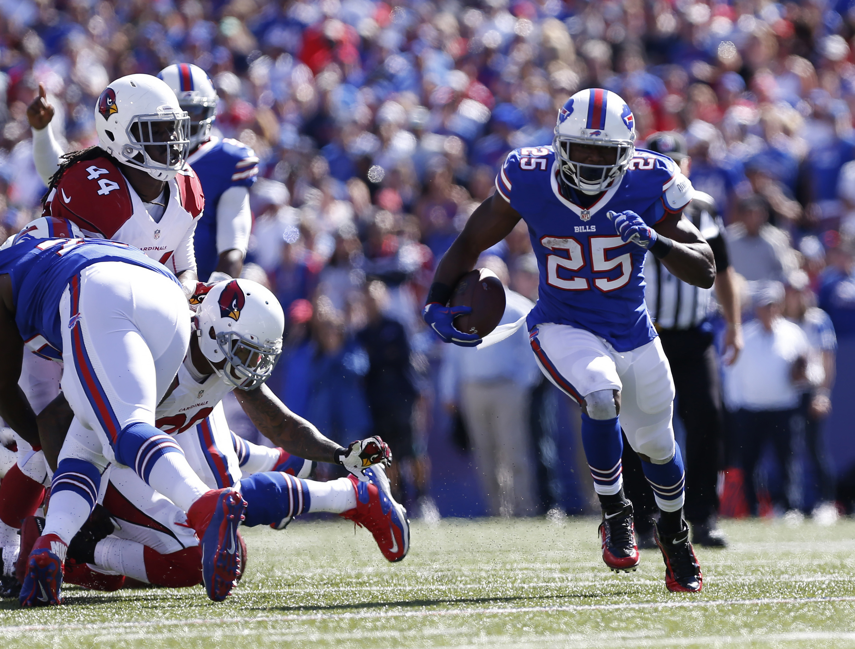 Bills Upset Cardinals to Move to 1-2