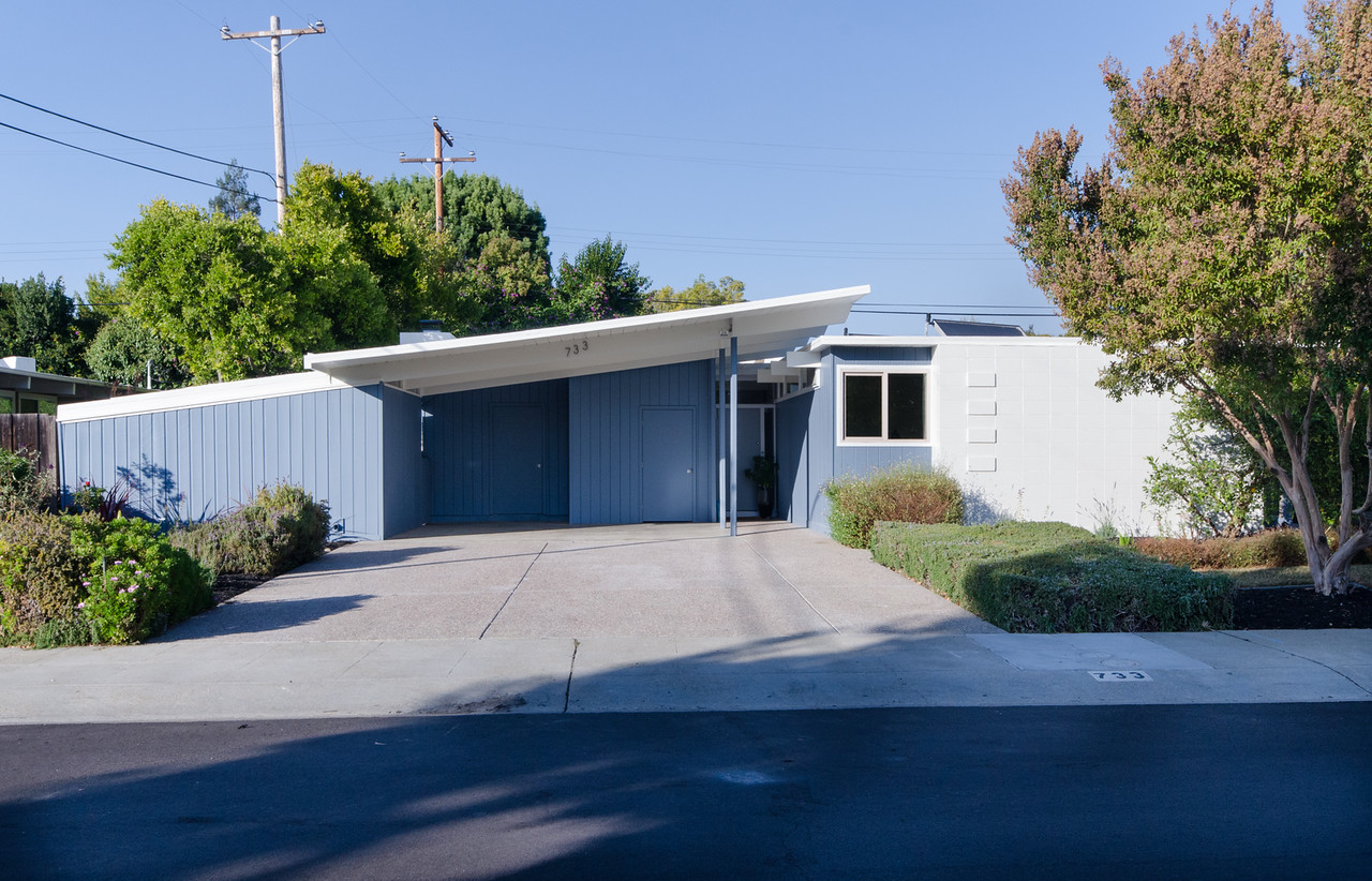 Joseph eichler curbed sf for Eichler homes for sale bay area