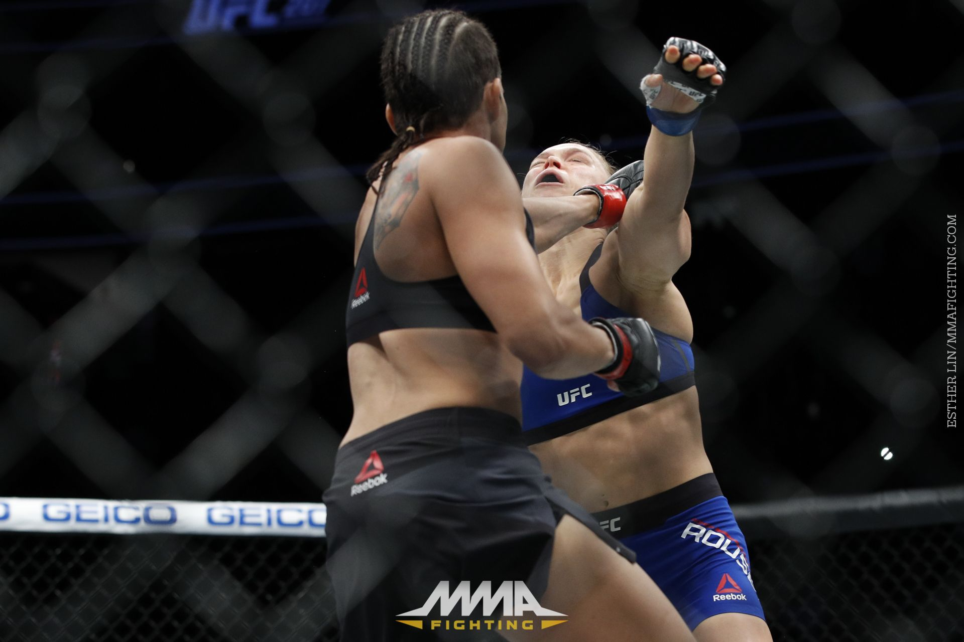 [Image: 080_Amanda_Nunes_vs_Ronda_Rousey.1483164395.jpeg]